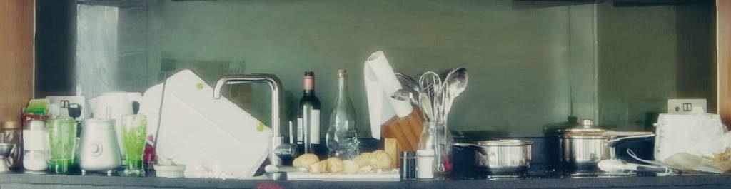 賃貸マンションの狭いキッチンにはワゴン対策